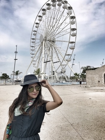 About giant wheels and hats. Who else likes hats and scarves.. of course I love the vintage touch that these accessories add.  . . . #love #bodybutter #thebodyshop #beauty #beautyblogger #picoftheday #swissblogger #swissbeautyblogger #indianblogger #indianbeautyblogger #magazine #instafashion #mydubai #dubaibeautyblogger #dubaiblogger #uae #uaeblogger #skincaretips #indianfashionblogger #ootd #stylist #photooftheday #funfacts #bblogger #dubaigirl  #instalike #beautytips #swissfashionblogger #dubaifashionblogger