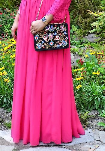 [KMYxDaintyJewells] Coming next on the blog 💗 . . . #collaboration #sponsored #sneakpeek #blogpost #dress #blogger#bloglife #photooftheday #fashionblogger #styleblogger #modest #modernmodesty #indianblogger #modeststyle #modestclothing #torontoblogger #fashion #fashionpost #instafashion #KnowingMyStyle #socialmediainfluencer #roposo #soroposo #roposoblogger