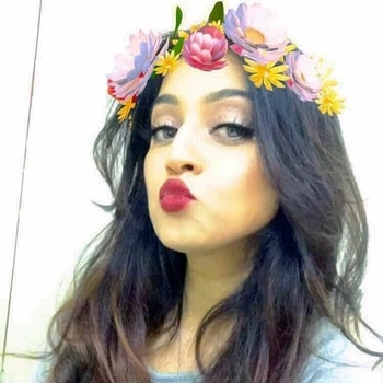 Flower power brings out the kissies in me! 😉😘 #flowerpower #filter #snapfilter #flowercrown #selfie #selfienation #mua #makeupartist #makeupjunkie #indianblogger #beauty #beautyblogger #styleblogger #bblogger #poser #pout #lips #red #kiss #instadaily #instadaily #pretty #redlips #redlipstick #hot #roposo #selfiequeen #pout #pretty #flowers