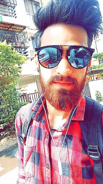 I'm on the hunt for the Better Me💯💙 #beard #beardo #shades #gabru #swag #fashion 🤘
