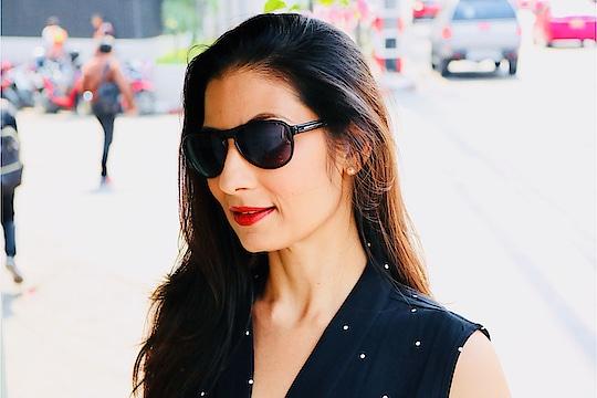 Big Sunglasses hide all the Sins.. 💋💋💋 Love M. #ChefMeghna #sunglasses #sunglass #TuesdayThoughts 