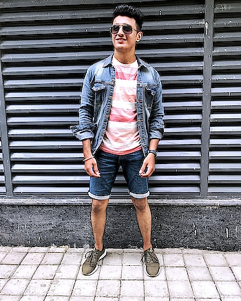 PLANNING FOR A DAY TRIP?   wardrobe by #marksandspencer     #ropo-style #men-fashion #roposo-fashion #fashion #roposo-style #soroposoblogger #blogginglife #styling #shorts #streetstyleblogger  #bloggeroftheday #ootd