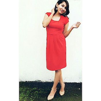 Red is the colour of the season ❤ . . . . #followformuchmore #followforfollow #like4like #likesforlikesback #lipsticklove #red #spam4spam #women-fashion #fashionblogger #fashionpost