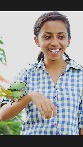 Updated their profile picture #newdp #photography #lovephotography #photographylovers #photographylove #photographylover #birdsphotographer #parrotlove