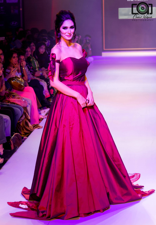 Bruna Abdullah walked for Nitya Bajaj at Pune Fashion Week. #BrunaAbdullah #NityaBajaj #Design #Fashion #Photographer #Superb #Love #maroon #Picoftheday #Fun #great #show #designerwear