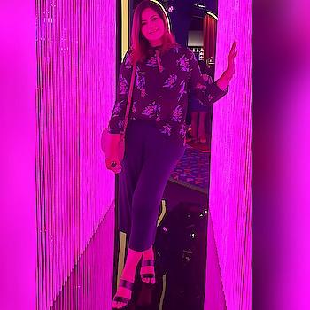 Happy Fri-yaay!  #clozette #clozetteco #starclozetter #indianblogger #indiabloggerstrendz #cocoflashclub #chanelbeautysg