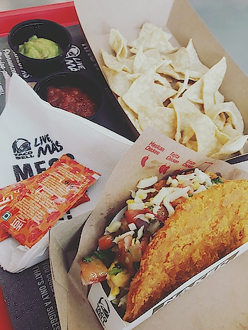 Stopping By at Taco Bell is essential  #mexican #tasty #yummy #food #roposo-food #foodlover #foodphotography #yummyinmytummy #hungry #alwayshungry #ropo-lov #foodgasm #hungrytv #always #happy #yaay