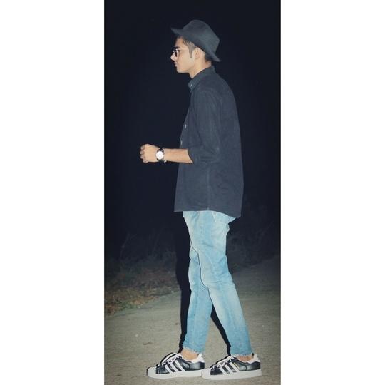 #hatstyle #fedorahat #stylishlook #menswear #mensfashionpost #mensstyle #mensfashion #fashionblogger #fashionbloggerindia #fashionbloggerrajasthan #blackismyhappycolor #lifestyle #followforfollow  #fashionbloggers