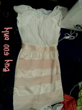 buy 500 rs. only white and peach lovely combination wid scoopneck sleeveless .