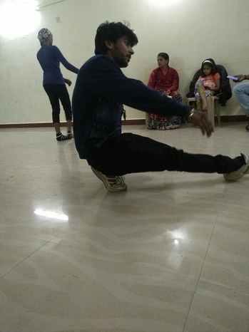 practice is most important thing........#dancelove #practice #handwork #brotherhood #dancerlife #danceoftheday #keepdancing #dailyoutfitinspiration #breaking #love #followalways .....love u follower family....✌❤🙏