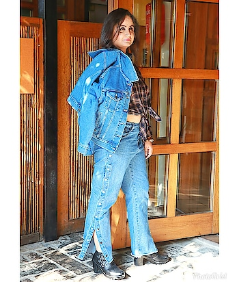 #denimondenim is what I'm currently crushing on.  What do you think of it? . . . . #mdblogs  #busylife  #chandigarhfashionblogger  #chandigarh #chandigarhblogger  #blogger  #fashionblogger  #denim  #denimjacket  #denimjeans  #hotgirl  #blackboots  #influencer  #creatorshala  #croptop  #shirts  #whatiwore  #ootdfashion  #slay  #plussizefashion  #plussize  #plussizeblogger