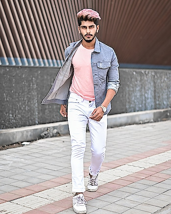 About being in TINT ! . . Rose Gold Hair colour by - @hairfactorysurat ! . . Shot by - @thedaydreamstudio . . #TSDFAM  #thestyledweller  #tsdstyle #rosegold #menwithstreetstyle  #mensfashion  #menswear #mensfashion  #fashionblogger #fashioninfluencer  #maleinfluencer  #trend #haircut #fashion #hairstyle #haircolour #rosegoldhaircolour #menscasuals  #casualstyle  #surat  #suratinfluencer  #suratfashion  #indianfashioninfluencer  #indianblogger  #indianinfluencer  #india