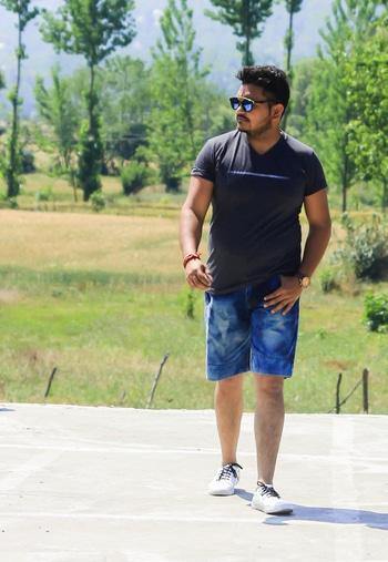 look the best in these summer outfits  #tee #shorts #denim-love #onlyindia-denims #look #natural-look #look-book #dapper #dappermen #dapperda #dapperstyle #dapperlydone #fashion #summer-fashion #styling #summer-style #new-style #ropo-style #roposostyle #fltness #freak #gymfreak #bloggerdiaries #bloggerfashion #bloggerindia #delhifashionblogger #delhi  #foloow4follow #followalways #followme #followmeonroposo #followformore  #streetstyle