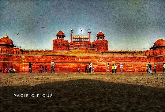 Dalmia Bharat Group to adopt Delhi's iconic #red_fort for 5 - years. 🎬@pacificpious #travel #traveling #TFLers #vacation #visiting #instatravel #instago #instagood #trip #holiday #photooftheday #fun #travelling #tourism #tourist #instapassport #instatraveling #mytravelgram #travelgram #travelingram #igtravel