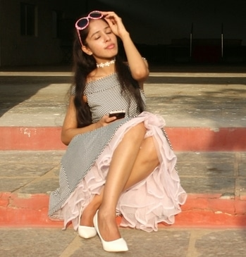 I love pink and ruffles! #FashionFables #fashionstylist #streetstylestore  #vintagestyle #offshoulder #vintagedress #polkadots #pinklove #ruffles #pinkskirt #newlook #vintagelove #soroposo #ropolove #soropogirl #ropogood #stylistdiaries #springfashion #colorful