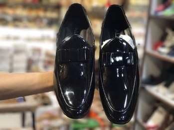 stylish ALDO brand patent meterial shoes.  price:- 1300 only  SIZES: 6-10