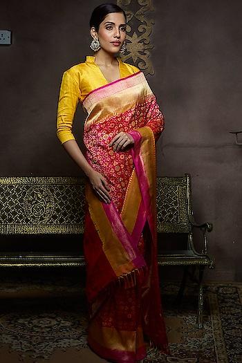 The Lovely pink banarasi Saree @rashmibuntwal #saree #samyakk #samyakkdesign #samyakkclothing #banarasi #banaras #banarasisaree #banarasisilk #silk #silkbaseclosure #traditionalart #traditional #sareelove #sareelovers #saree😍 #sareesusa #sareefashion #fashion #fashioninsta #sareeswag #traditionalbride #celebrity #fashiondesigner #pinkvilla #indianbride #indiancouture #missindia #feminaindia #modeling #model