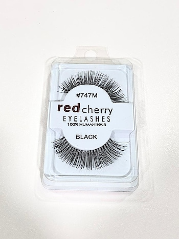 Faux Lashes are an integral part of the make up. Grab your pair for that dramatic look.  #makeup  #eye-makeup  #eyemakeuplook #lashes #lashesonfleek #lashesonpoint #lashesluxuryleather #fashionblogger #beautyblogger #productreview #products #blogger
