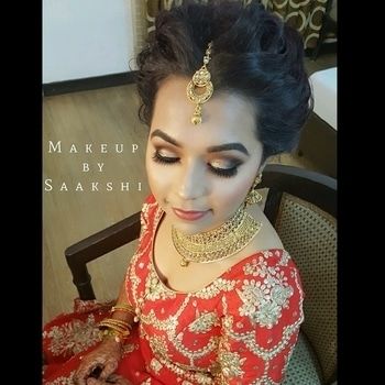 Glowing Shravi on her reception with smokey matte look.. #makeupbysaakshi Contact 9899660145 for bookings  . . . Eye and face- @tartecosmetics #tarteletteinbloom palette and #tarte blush wheel Lips - @hudabeauty #icon liquid lipstick  Contour- @smashboxcosmetics contour kit in medium  Lashes - beautylicious by @lets_dollup  Face - @makeupforeverofficial ultra hd liquid  foundation Eyebrows- @anastasiabeverlyhills in dipbrow dark brown  Hair by @ali_hairstylist_  #followme #followformore #bridalmakeup #bride #makeupforbride #delhimakeupartist #bestmakeupartistindelhi #makeupartistindia #makeup #wedding