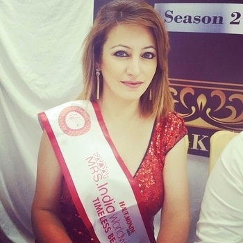 #JudgeLife #Audition #A&K's Store #LuvWhatIdo  #SubtitleWinner #TimelessBeauty #MrsIndiaWorldwide @ A & K's Store