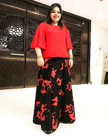 When your 25th birthday ends with awesomeness... thank you for the hospitality #RamadaNeemrana #hercreativepalace #birthdaygirl #gemini #travel #traveller #neemrana #ramada #jaipurhighway #beautiful #redandblack #whatiwore #blogger #delhi #india #hcpkanika #outing #vacation #shorttrip