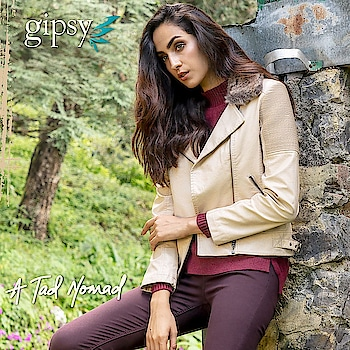 For an instant classy makeover, adorn yourself in this sophisticated leather blazer with minimalistic faux fur detailing on the lapel and trendy zip design!  #newarrivals #fallwinter #bohovibes #bohostyle #gipsystyle #gipsywomen #bohoforlife #bohofashion