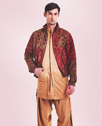 Featuring a #maroon #rose bomber #jacket by Saksham & Neharicka tailored in #brocade accented with mukaish work: https://www.indiancultr.com/new-arrivals/man-of-the-hour-by-saksham-neharicka?p=1&trk=hmpg-slider #menswear #dapper #mensfashion #India #IncredibleIndia #wow #amazing #artisan #want #neednow #inspiration #Indian #traditional #makeinindia #instalike #instadaily #photooftheday #follow #repost #awesome #style #shoppingonline #designer