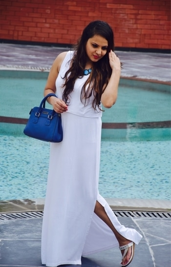 Going for some White vibes, white  are one among my favourite colour always .. it adds that #wow😍 factor to my outfit.. #fashionfables #fashionstyleandtravelcloset today #ootd #aztecprint #aztecskirt #koovsfashion #fashionaddict #fashionregram #stylebloggerindia #indianfashionblogger #fashionbloggersdigest #styleblogger #mumbaifashionblogger #punestyleblogger #punefashionblogger #ootddaily #ootdfashion #fashionstylist #picoftheday #fashionoftheday #lookoftheday #fashionphotography #shootlife . . . . . #wiw outfit @koovsfashion #fashionaccessories @pipabella  #shoes @pantaloonsfashion