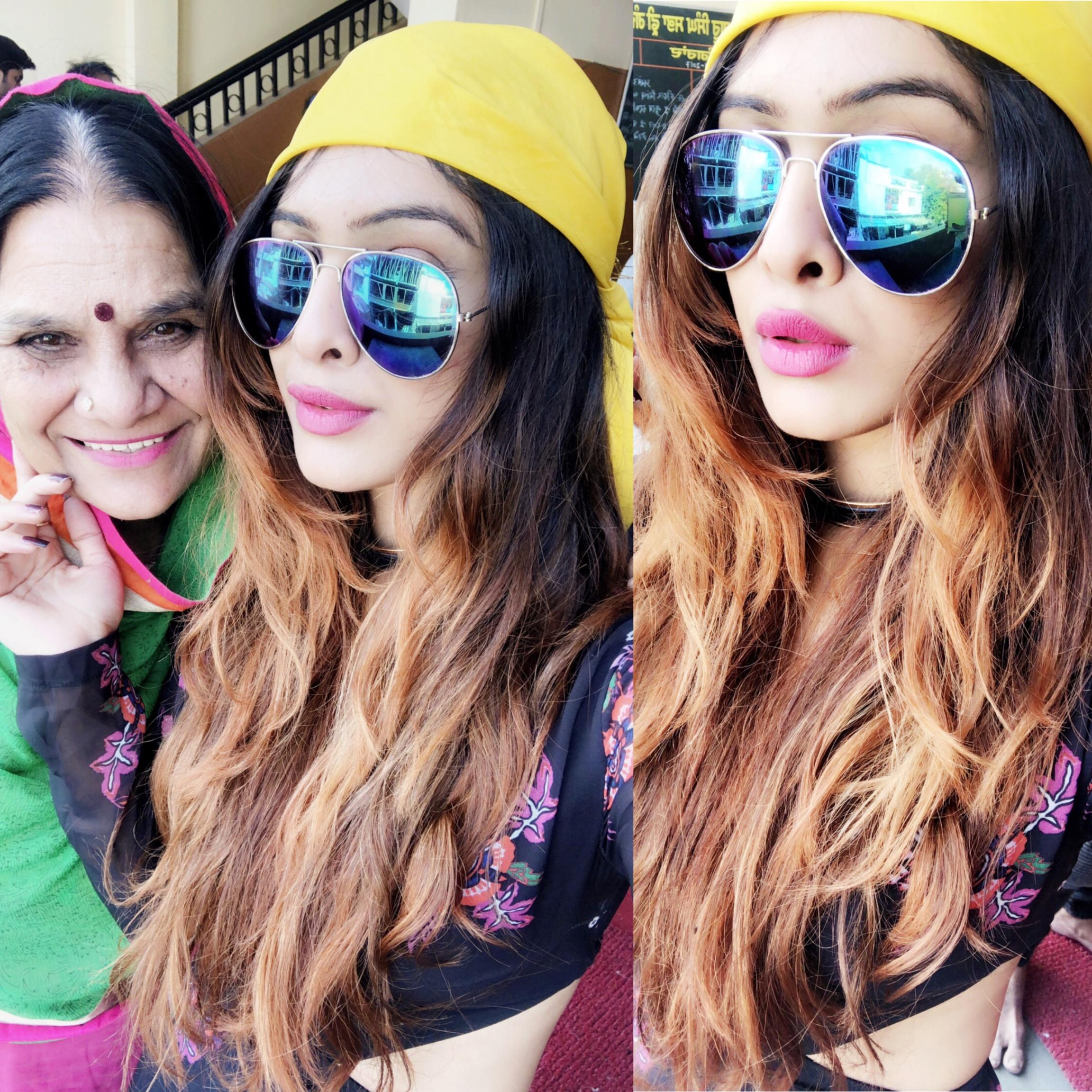 Gurudwara Darshan At Ujjain 😍😍 : #gurudwara #ujjain #madhyapradesh #blessed #beautiful #morningglory #riseandshine #goodmorningworld #spreadlove #spreadhappiness #satnamwaheguru #waheguru #blessyou #proudpunjabi #punjabigirl #punjaban #happytime #mommyandme #nehamalik #model #actor #blogger