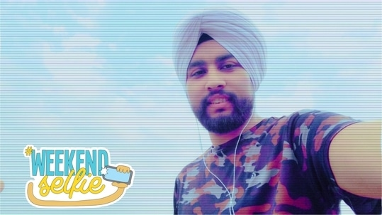 #Selfie #Sikh #BeardSquad #PhotoBomb #Punjabi #Youtuber #Turban #WeekendSelfie #NewDelhi #SexyWeather #SexyMunda #Photo #Roposo #Love #MrFunjabiFilms #weekendselfie