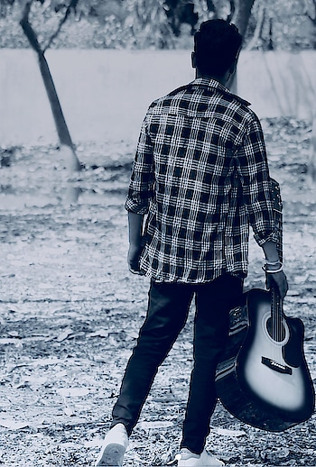 😍❤️  #newdp#newpost#Guitarist#Singer#love#music#MUSICALLY#day#musicians#fender#guitars#akashdeeppatel#google#trending#post#fashion#famous#model#life#goals#indian#roposo#views#like4like