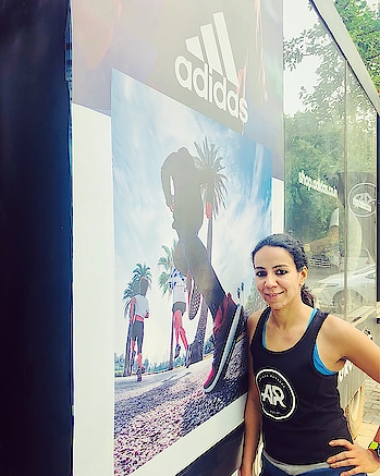 Train with me, if you want to give Running a try & see what it brings to your life 😃  #trainwithme #delhigirl #runnergirl #getfit #positivevibes #livestrong #strongwomen #workout #lookgood #delhites #delhipark #delhirun