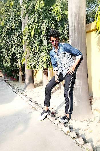 Updated their profile picture  #videoshoot #ropo-video  #video   #roposo-style #roposo #singh #lucknow #lucknowblogger #followformore #follwoforfollow #roposo #new-style #funnyvideos #funnyvines #funnyquotes #funny #roposo-style #use #hastag #amritesh #challenge #goodevening  #roposostar @roposocontests #acting