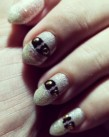 #nailart #freehand #freehandnailart #shapes #newyearnailart #nails #nail-addict #nails2inspire #nailsoftheday #nail-designs #nailartindia #partynails