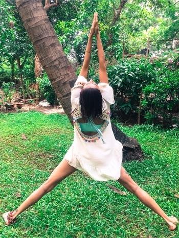 Starting from the Start... new beginnings. . Dress courtesy @chaaruanand . . . #newbeginnings #startingfresh #freshstart #newenergy #love #gratitude #hope #feelingood #feelgoodzone #feelingblessed #happyme #happiness #happyfriday #mood #moments #moodygrams #moodporn #monsoon #monsoonmornings #monsoonmotivation #natureporn #naturelover #mumbai #mumbaimonsoon #incredibleindia #justme #greenery #flyinghigh #loveandlight #achintkaur