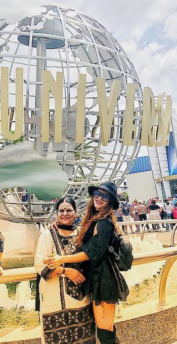 Time for Universal Studios Hollywood Los Angeles 😍😍😍 : #universalstudioshollywood #universalstudios #losangeles #usa #usatrip #travelgirl #traveller #losangelestripwithnehamalik #usatripwithnehamalik #explore #travelgram #travelgoals #luxury #luxurylife #luxurytravel #mom #summervacation #vacationmode #nehamalik #model #actor #diva #blogger