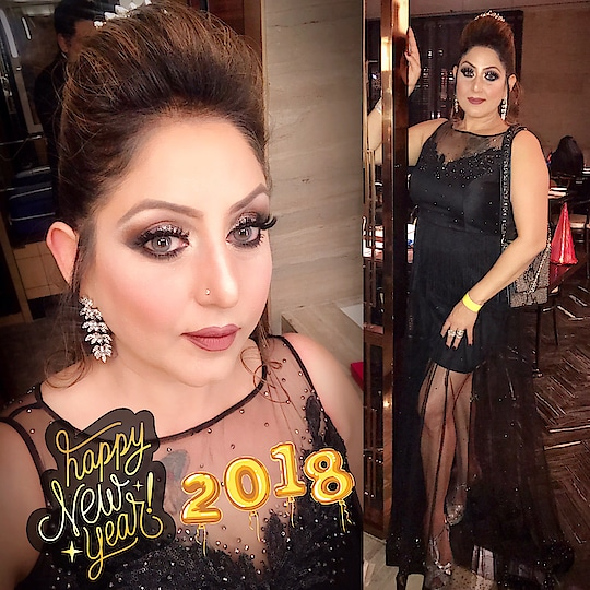 Welcoming 2018 , Happy New year Everyone , #meenakshidutt #meenakshiduttmakeoversdelhi #makeupartistdelhincr #makeupartistindia #life is beautiful #hairandmakeup #salonowner