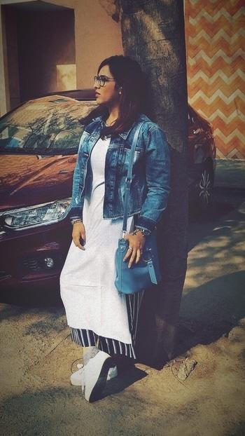Hello Winters ☃️   #styledBy #myself  #maxitop #missamore #slit #slittop #white @missa_more_clothing  #jacket #levis #denim #denimjacket @levis  #palazzopants #zara #blue #striped @zara  #whiteshoes #watch #diesel @diesel  #eyewear #jimmychoo @jimmychoo @dayalopticalsofficial  #bag #blue #lifestyle @lifestylestores #tattoo