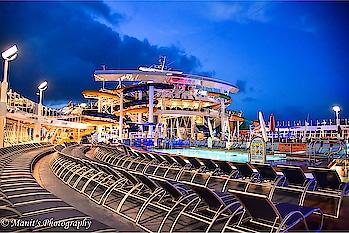 The pool Side.. @harmonyoftheseas #cruise#cruiser#usa#travel#life#love#travelling#traveller#evening#
