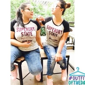 #bestfriendgoals #allaboutfashion #followformoreupdates #lovefashionstyle #casualstyle 👑❤️ #outfitoftheday