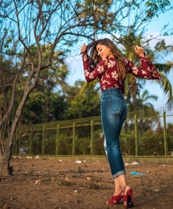 Bell sleeves are one of the hottest fashion trends this season. Pulling off this trend successfully , I m paring my floral printed bell sleeves top with high waisted jeans and heels  I have created the entire look from @myntra  Picture credit : @ravishingfocus . #myntra #MyMyntraLook #myntrastyle #myntradotcom #myntrafashion #myntraindia #bellsleeves #summerlook #galleri5InfluenStar #popxodaily #popxomumbai #dixitapatel #inspiroindia #iiblogger #letstalktrend #mystylemantra