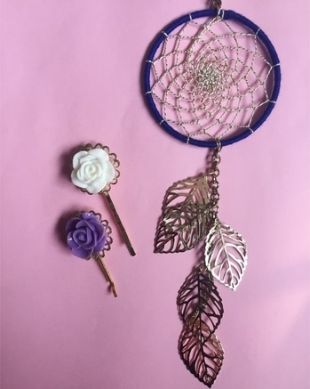 What greater gift than fulfilling a Dream.💕Gift your beloved with Accessory Funk Dreamcatchers to fulfill a pure Dream. Dreamcatcher necklace : Rs.500/- Rose flower hair clips : Rs.250/- a pair . . . . #goodvibes #weavingdreams #dreamcatchers #rose #hairclips #handmadewithlove #giftingideas #giftingsolutions #dreamcatcherkeychains #caraccessory #shimmer #perfect #accessory #blue #onlineshopping #paytm #shipping #allover #india #accessoryfunk #POPxoFeatures #popxodaily
