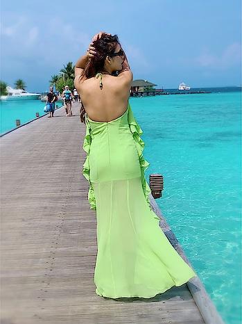 Neon 💚💚💚 💚💚 :  This beautiful 1st look of my birthday is from my most fav Celebrity Designer @rsbyrippiisethi ♥️tysm Rippi ♥️ : #happybirthday #happybirthdaytome #birthday #birthdaygirl #birthday2018 #birthdaycelebration #wanderlust #maldives #paradiseislandresort #paradise #maldivesislands #backshot #bringingsexyback #neongreen #neon #itslit #beautifuldestinations #luxuryworldtraveler #travelblogger #travelgirl #luxurytravel #nehamalik #model #actor #blogger #instagood #instagram #instabirthday #instagood #islandgirl #instagram
