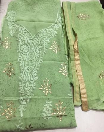 Pure Georgette Karachi Work🍁 Fabric details- Foil Print Kurti Shantoon Bottom  Pure Chiffon Dupatta with Foil Print   Available on Order.  . #georgette #kurti #karachiwork #georgettekurti #printedkurti #foilprint #foil #dupatta #chiffon #material #chiffondupatta #santoon #shantoon #bottom #delhistyle #indianwear #indiansuit #indiandress #womenswear #traditionalwear #classicindian #classicwomen #indiandesigner #pakistanidesigner #designerwear #internationalshipping #worldwideshipping #worldwidedelivery #ethnicwear