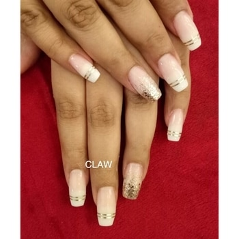 French manicure week @claw.  French ombré with glitter✨ #claw #nails #nailart #nailspa #frenchnails #frenchmanicure #frenchombre #beauty #opi #opinails #getclawed💅🏻💅🏻 For appointments in MUMBAI call on , 9967401031 , 7045204981 For appointments DELHI call on 9811197099 , 9278375598 , 9871798965  WEBSITE : www.claw-nails.com