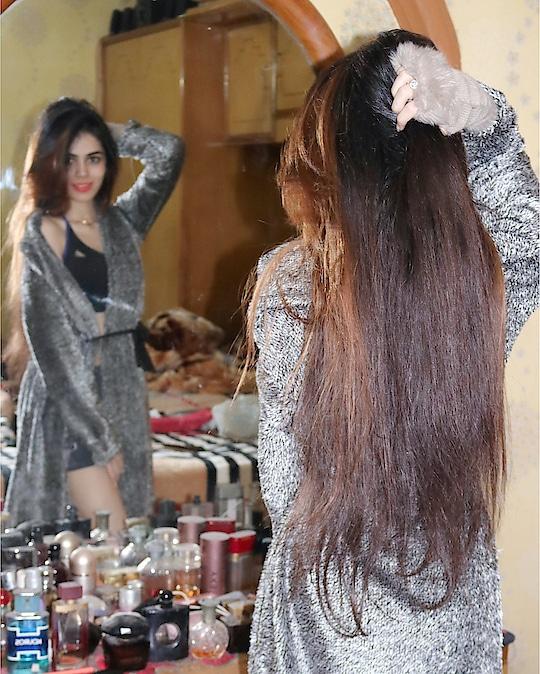 #messy #messylook #messyhair #messyhairstyle #hair #longhair #cozymornings #mirror #colour #haircolour #hairstyle #robe #shrug #warmshrug #fur #furr #furshrug #winter #woolenshrug #hot #shruglove #long shrugs #longshrug #gymwear #sportsbra #adidas #shorts #comfy #comfylook