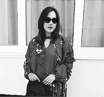 Floral stands out even in a black & white picture! #throwback . . . #deesayz #deepalisoni #florals #photography #zaful #collaboration #delhigram #indianfashionblog #potd📷 #picoftheday📷 #instatoday #instathrowback