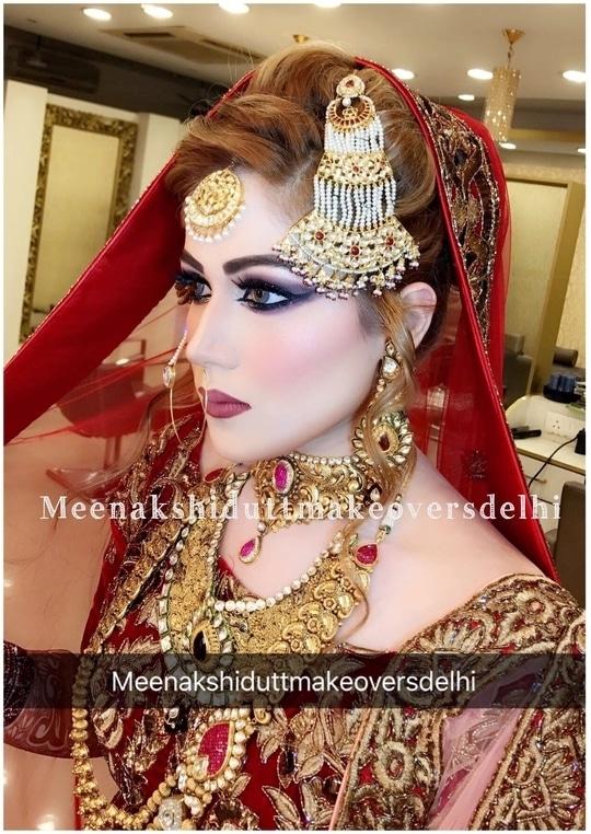 Beautiful Muslim Bride who wanted to look  picture perfect like a Painting  #meenakshidutt #meenakshiduttmakeoversdelhi #makeuplook #makeupartistindia #muadelhi #bridalmakeupartist #bridalmakeupartistindia #makeupartistdelhi #indianbride #muslimwedding #muslimbride #bridallook #bridalmua