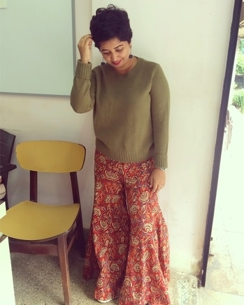 Love mixing up stuff. Wearing a ethnic palazzo with a olive jumper.   Make your own style!   Jumper - #handm  Palazzo- #saffronthreads  Earrings- #streetsofmumbai   #styledbyenso #h&m #streetstyle #streetstylefashion #womensfashion #shorthairdontcare #shorthairstyles #indianwear #ethnicwear #pixiecut #styleblogger #fashionblogger #wiw #ootd #lookbook #sharedmystyle #mumbaifashion #personalstyle #personalstylist #wardrobestylist #potd #ropo-style #roposo-fashiondiaries #soroposofashion #soroposoblogger #soroposofashionblogger  #palazzos