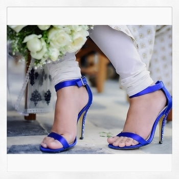 One of the most popular color in general, BLUE is a favourite choice in women's shoes,👠 falling in line behind blacks and shades of brown!!!! ——————————————————————————— Naturally pairing a coloured heels with your look requires a bit more thought and effort 🤔 than simply throwing a black one💁♀️. ——————————————————————————— So, if your outfit has a color in it, your heels can be any shade of that color 💙💘 . . . . . Style tip - Blue go best with yellow, neutral, brown, white and grey 🤩 . . . . Location courtesy -  @miabellahkv . . . . . . . . . . . . . . . . . . . . . . . . . . . . . . . . #fotd #styleinspo #fashioninspo #footwear #heelsaddict #fashion #blogger #heels #fashionblogger #styleinspo #influencer #wedmegood #popxowedding #styledotme #roposolove #indiandesigner #wedwise #bridesmaids #bridemaidfashion #heelsinspo #thecoruscotimes